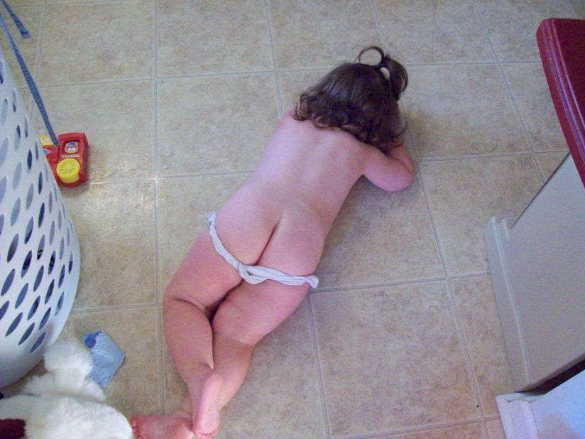 Consider, Naked girl pissing on floor