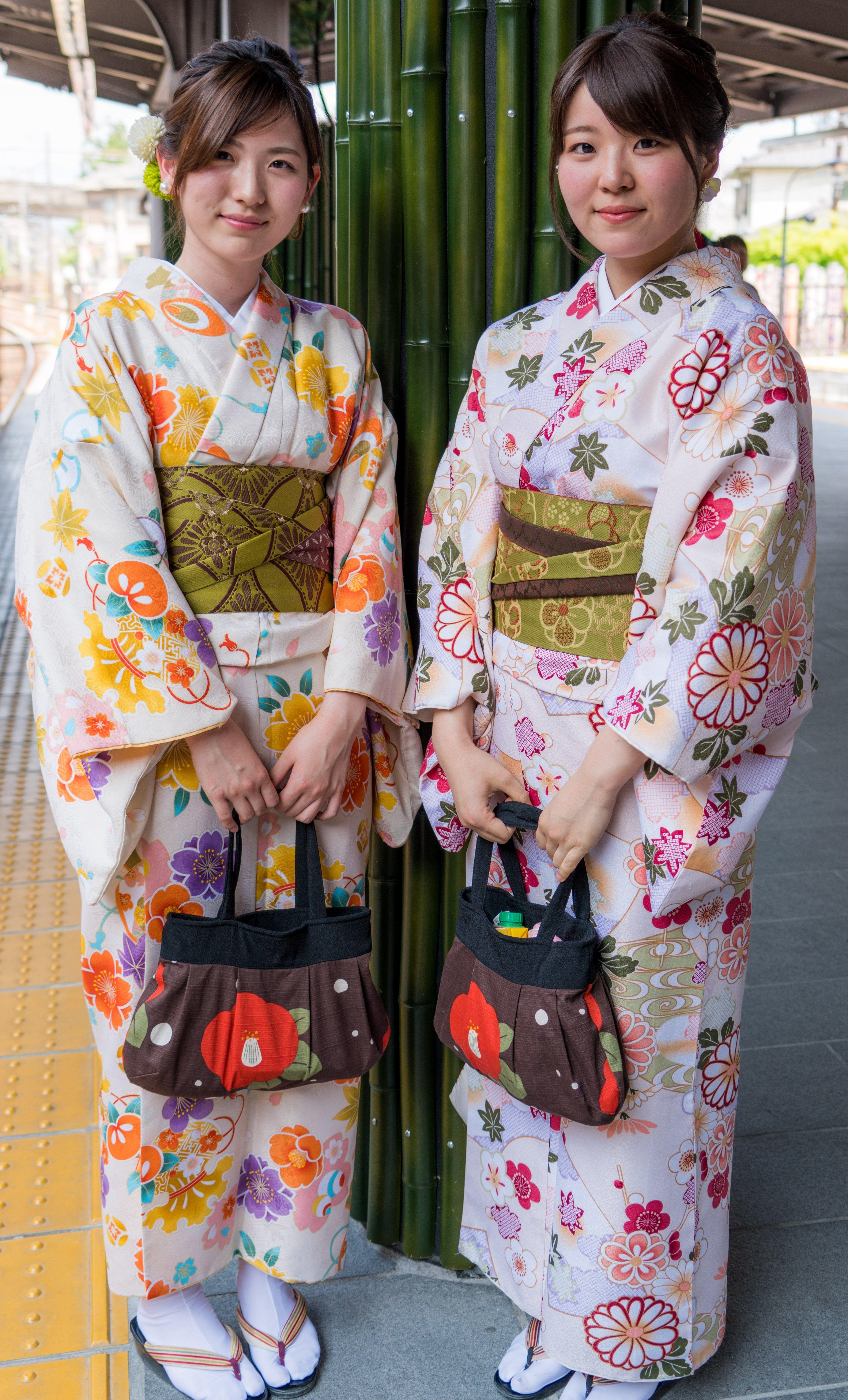 Art A. reccomend Lesbian in kimono