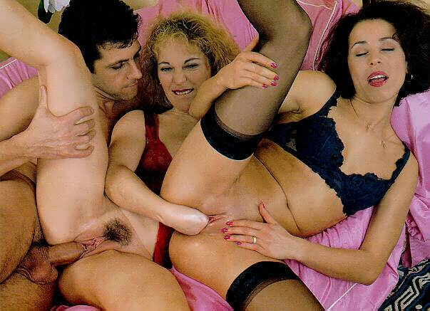 Blonde spends her sexual energy with