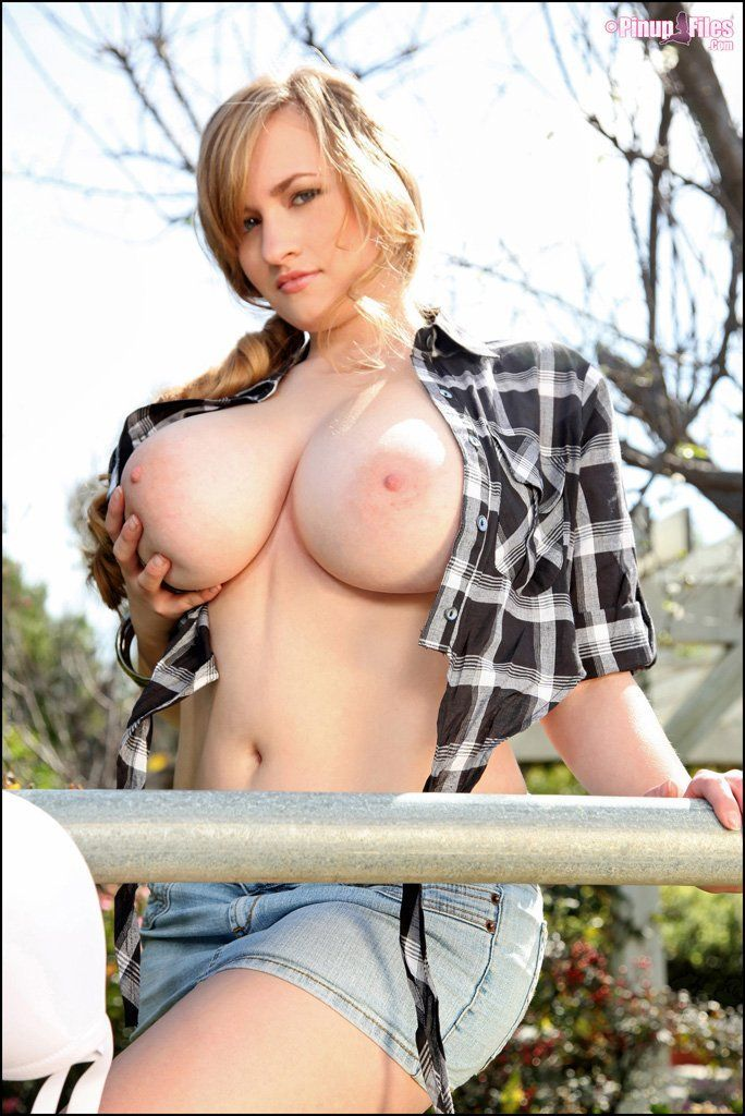 Country girls boobs and pussy photo 123