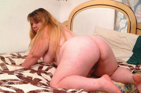 Cute blonde porn pics