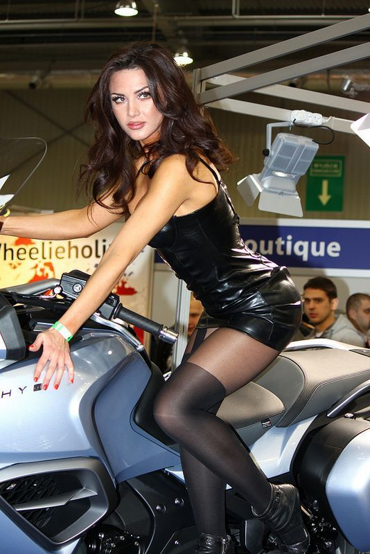 Biker chcks wearing pantyhose
