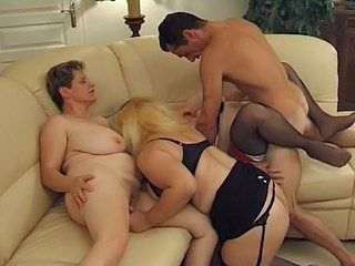 Chubby group mature sex — pic 15