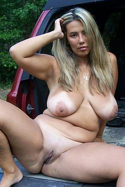 Fully nude mature sex