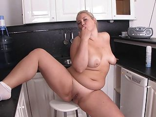 Chubby blonde sex tube
