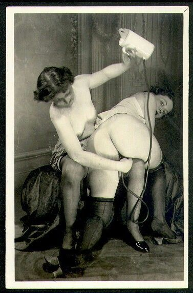 Hot pics of naked hooter girls butt