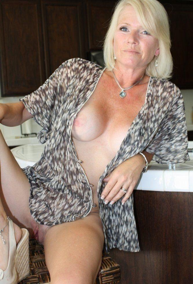 Nude grannny