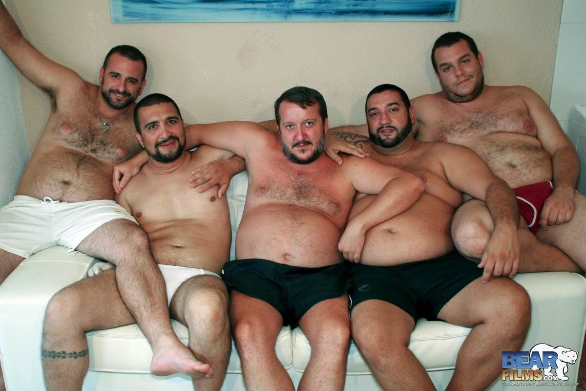 Bear Orgy Porno chubby gay orgie . 23 new sex pics.