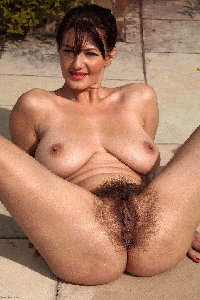 older-ladies-showing-hairy-pussy-sexvideos-family
