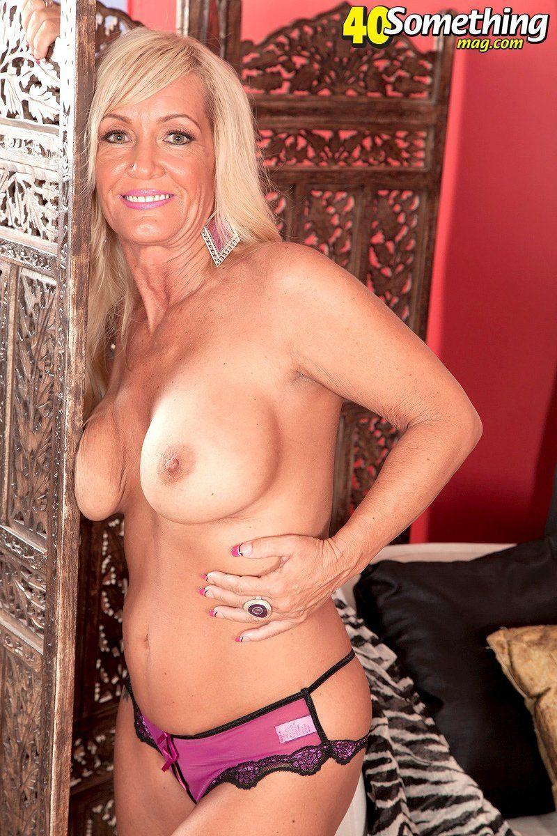 Hot nude pix lisa ann