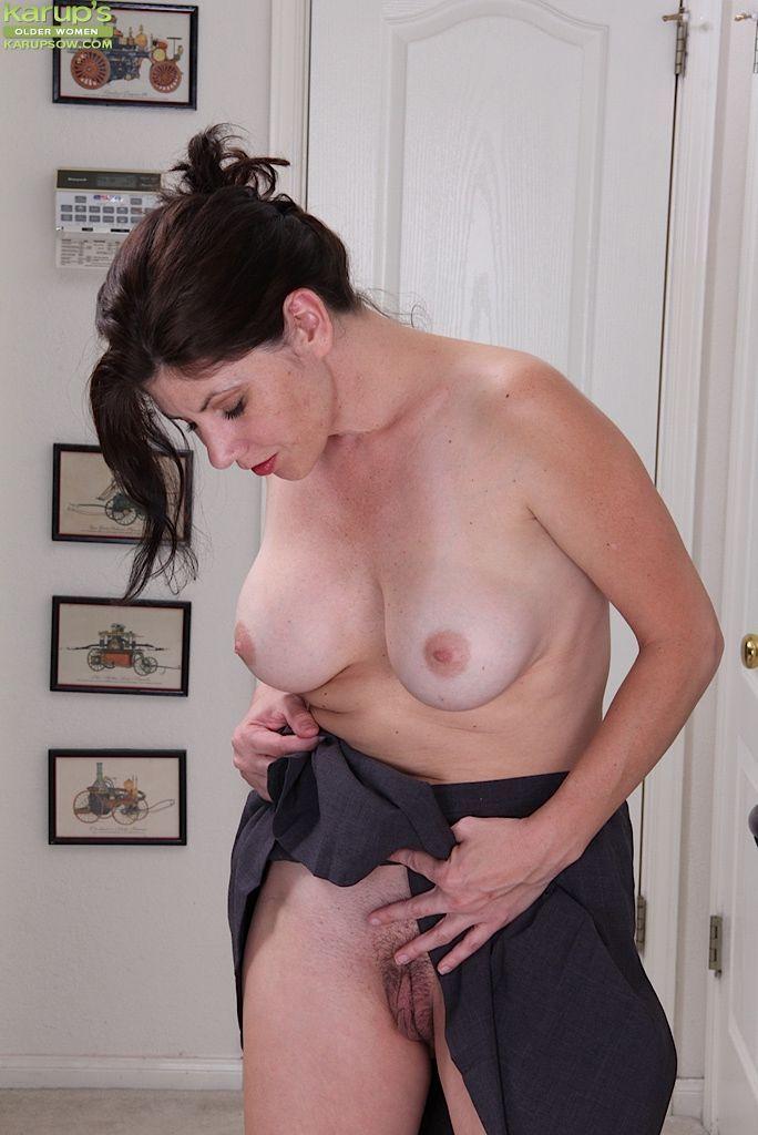 Photos Naked vulva genital