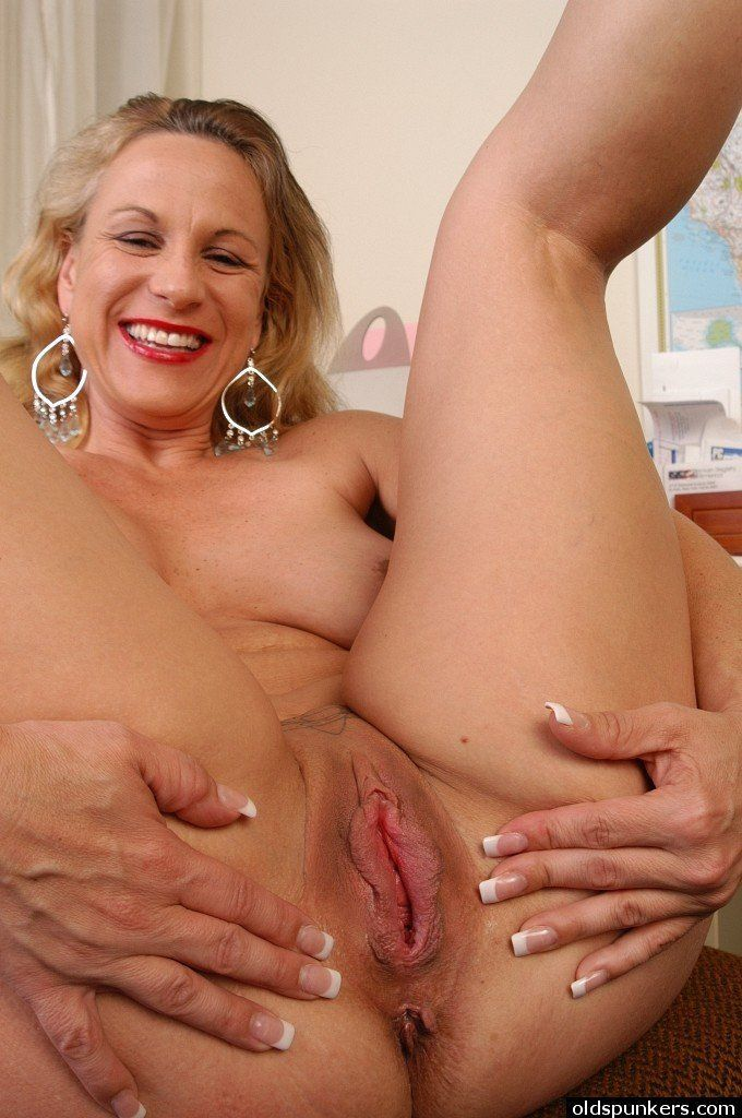 Granny titis nude