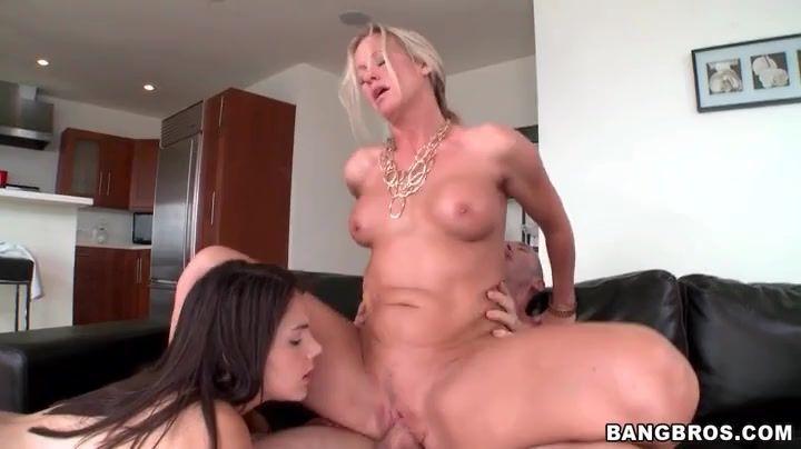 Menopause and vaginal odor