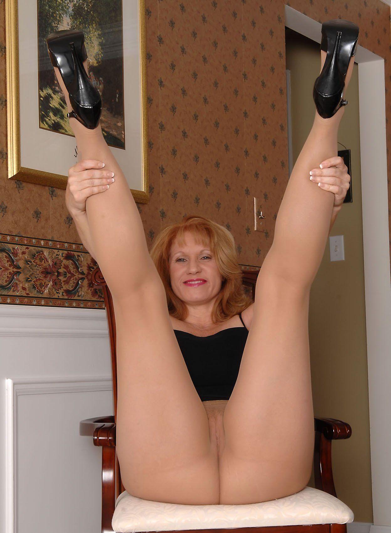 Naked girlsg blow jobs