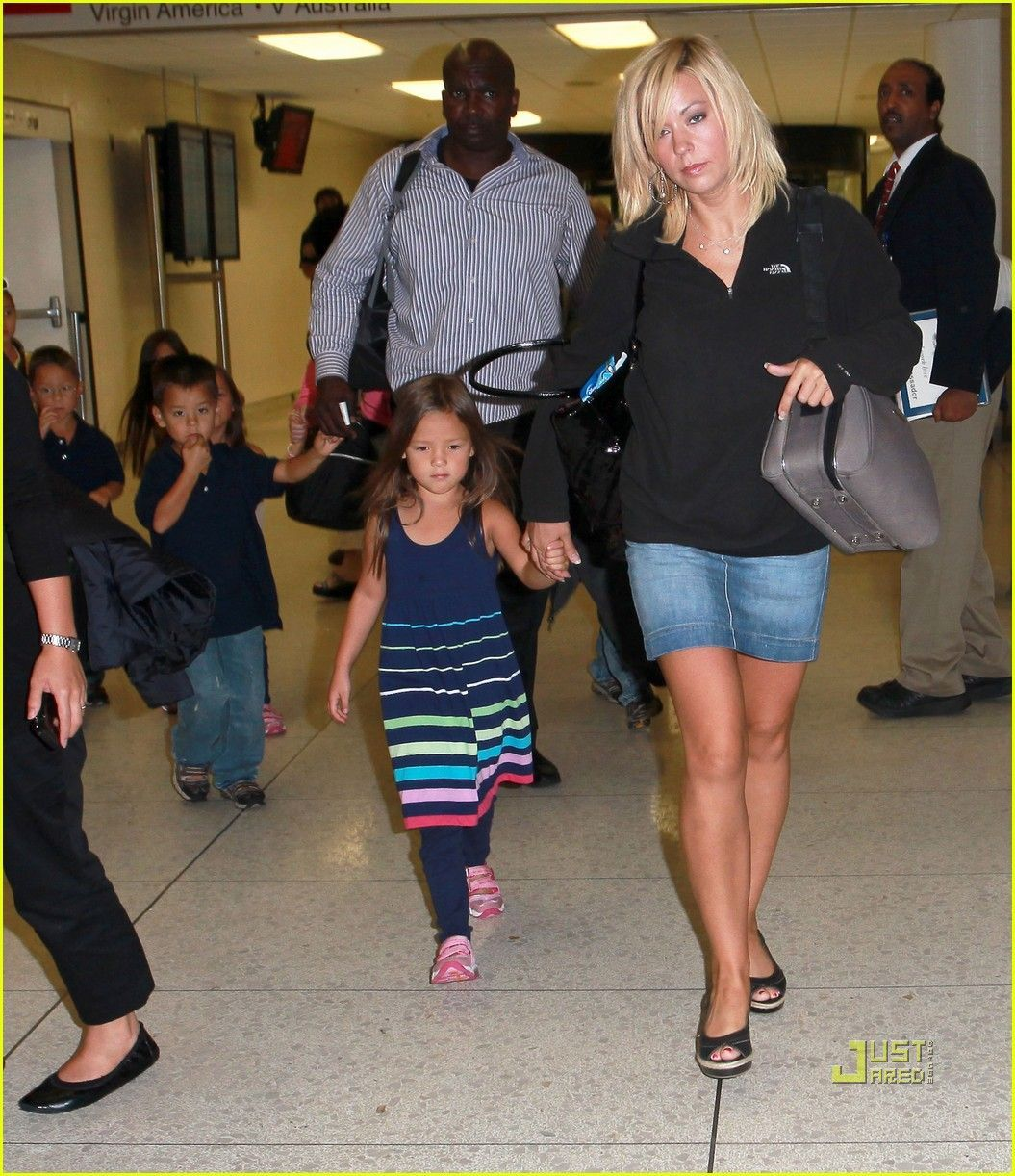 Kate plus eight in pantyhose