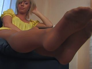 Rt pantyhose feet delight