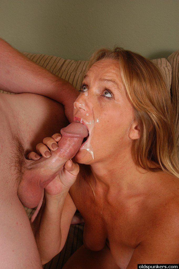 Hot mature sucking cock