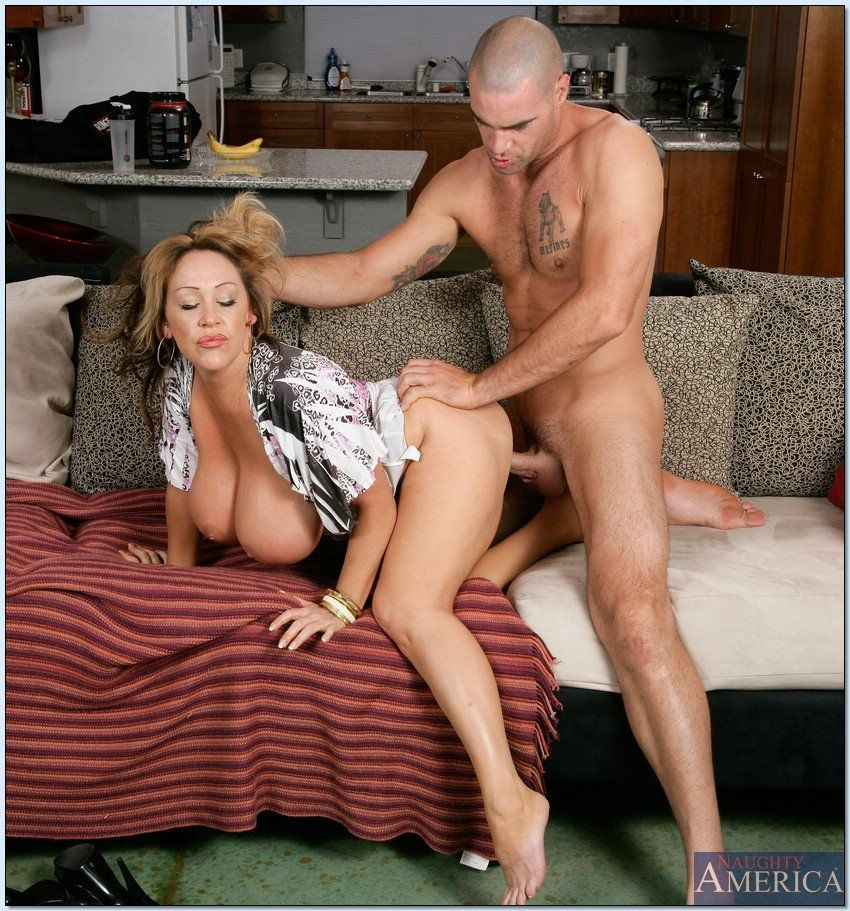 Banging mature moms - Sex photo.