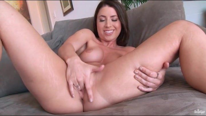 IVY: Naked Vagina Porno Pictures