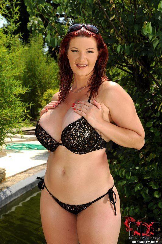 Porn bikini busty star