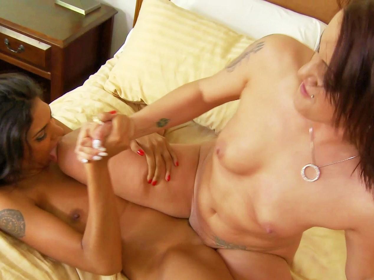 Machine lesbos sexo orgies