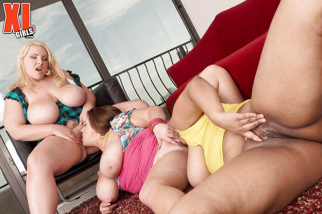 30 girl lesbian orgy