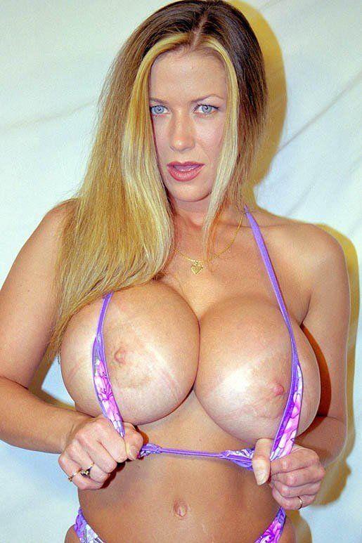 Dixie bubbles big tits