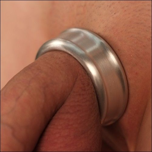 Bumble B. reccomend Excalaber cock rings