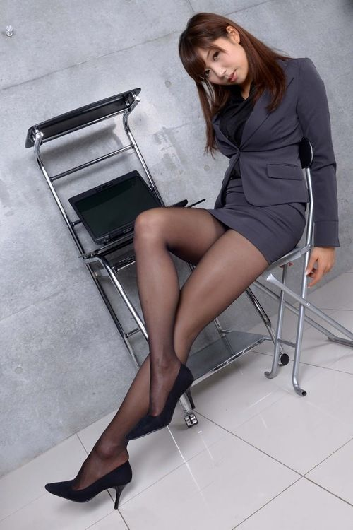 Korean women in pantyhose