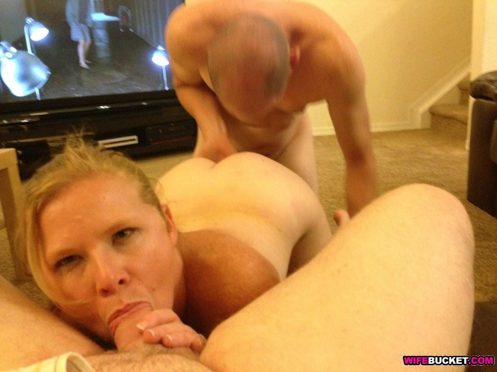 Swinging slutwife facesits husband