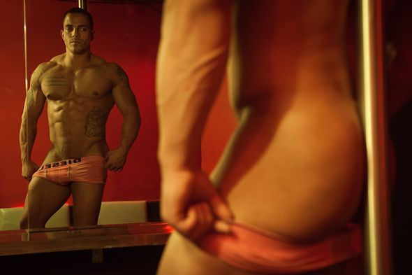 in clubs streap Gay montreal tease