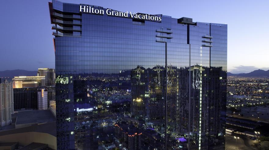 Strip vacations vegas grand hilton las