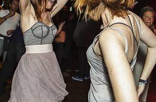 Mastadon reccomend Lesbian party dress