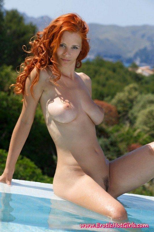 Wonka reccomend Rate leggy bikini redhead