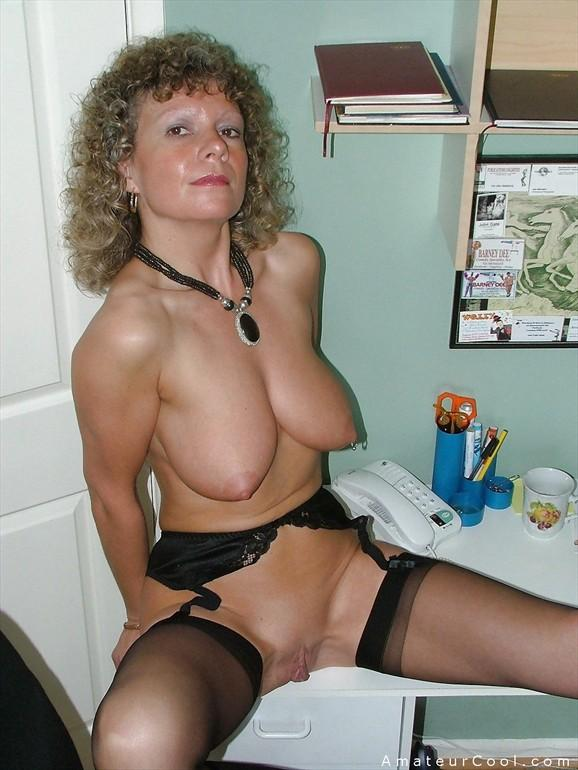 Wealthy nude milf