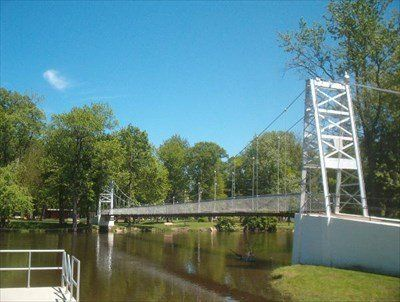 Swinging bridge winamac
