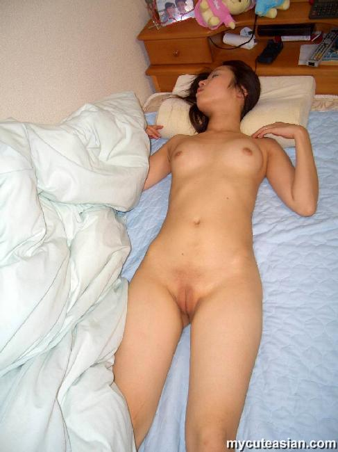 Amature shaved pussy