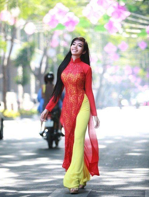 Vietnam busty women